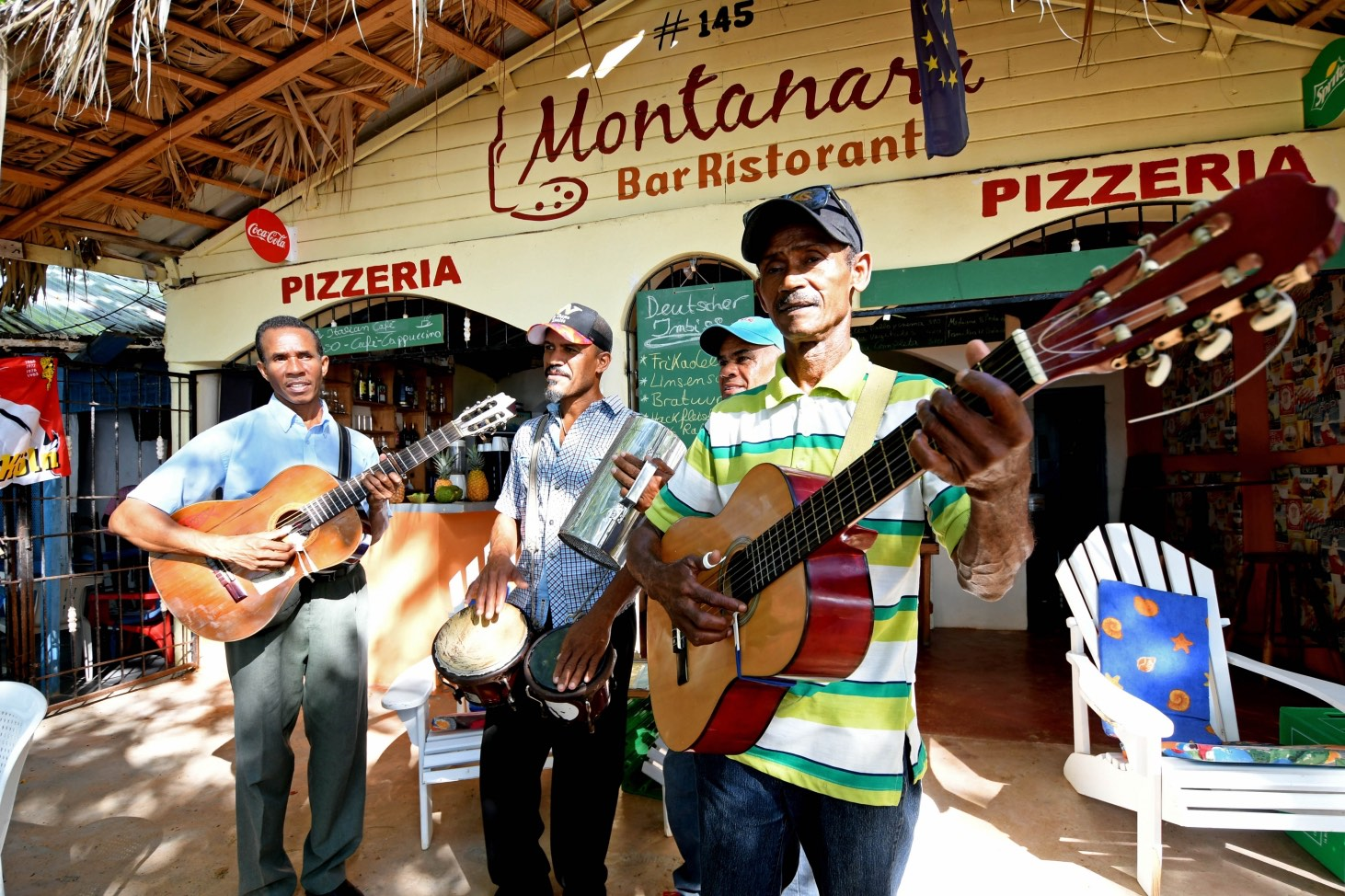 Singers at the Montanara in Sosua Beach