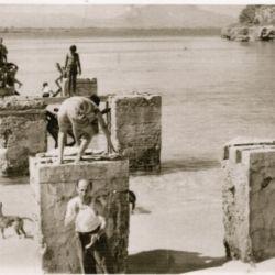 pilotillos , the dock mooring pillars