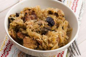 Polish sauerkraut (Bigos) with mushrooms and plums